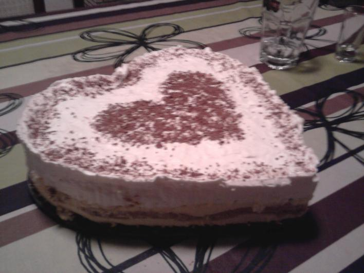 Tiramisu torta ( szivecskés)
