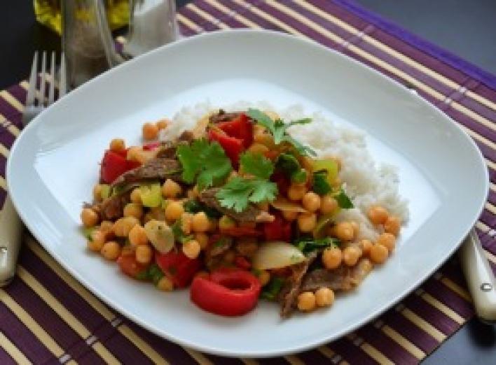 Mexikói marharagu csicseriborsóval és rizzsel