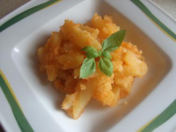 Hagymás krumpli paprikásan