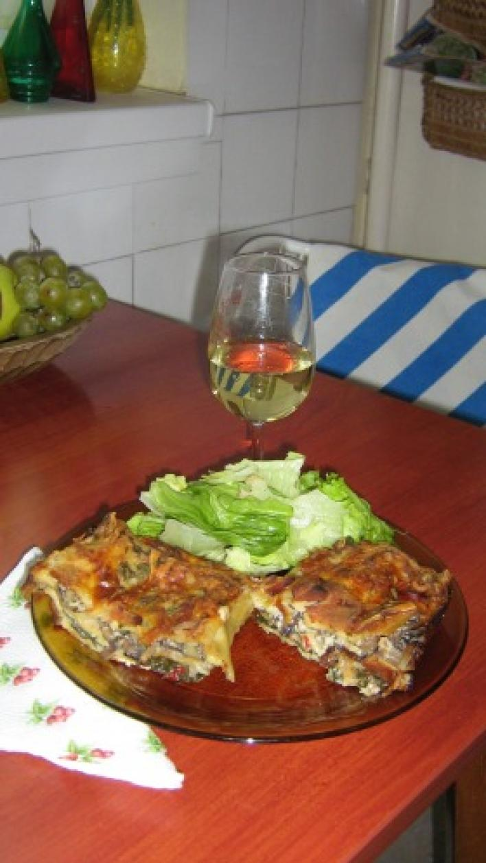 Baconös-bébispenótos-gombás-sültpaprikás lasagne
