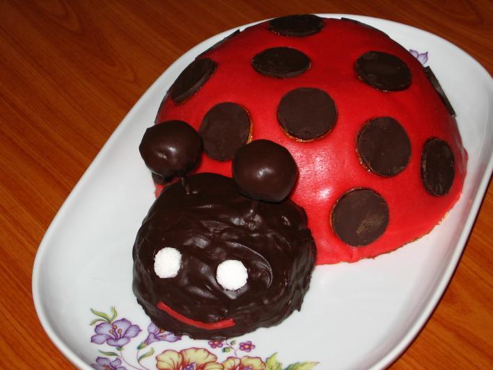 Katicabogár torta