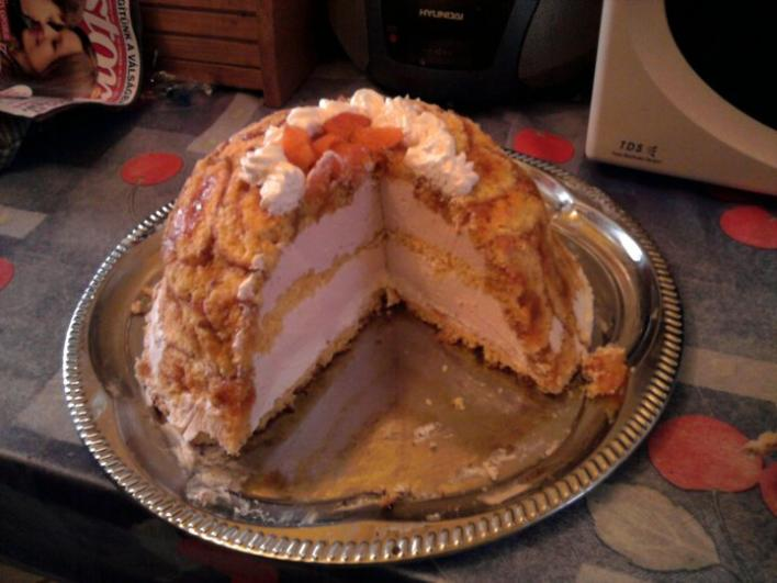 Joghurtos Charlotte torta