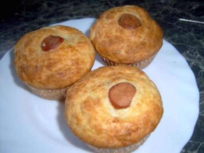 Virslis-hagymás sajtos muffin