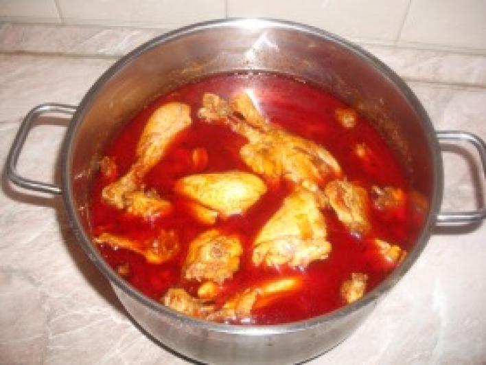 Csirkepörkölt