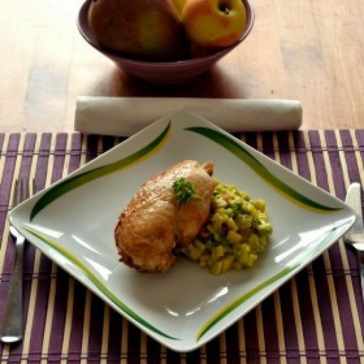Sült csirkemell avokádó és mangó salsával