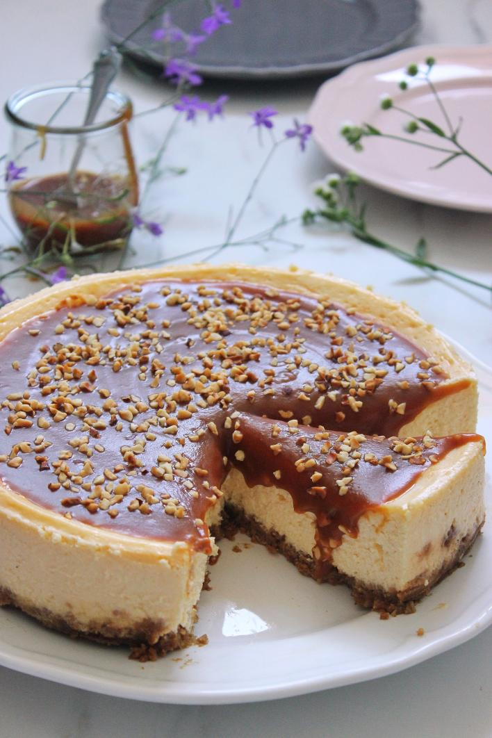 Sós karamellás sajttorta - Szűcs Réka - Ízből tíz konyhájából