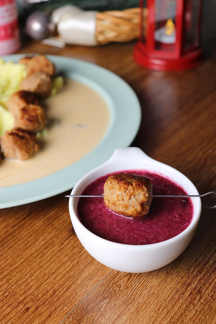 Svéd húsgolyók áfonyaszósszal - Görbe Pali konyhájából