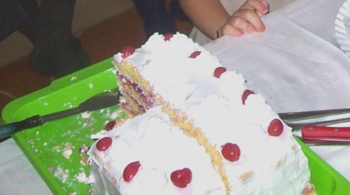 Meggyes-tejszínhabos torta