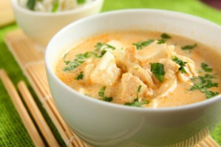 Thai piros csirke curry