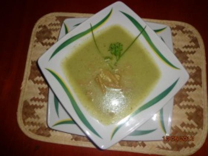 Zöldbabos brokkoli krémleves
