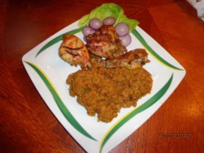 Tripla fűszeres hagymával sült csirke combok