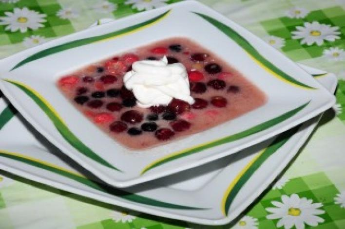 Erdei gyümölcsleves hidegen