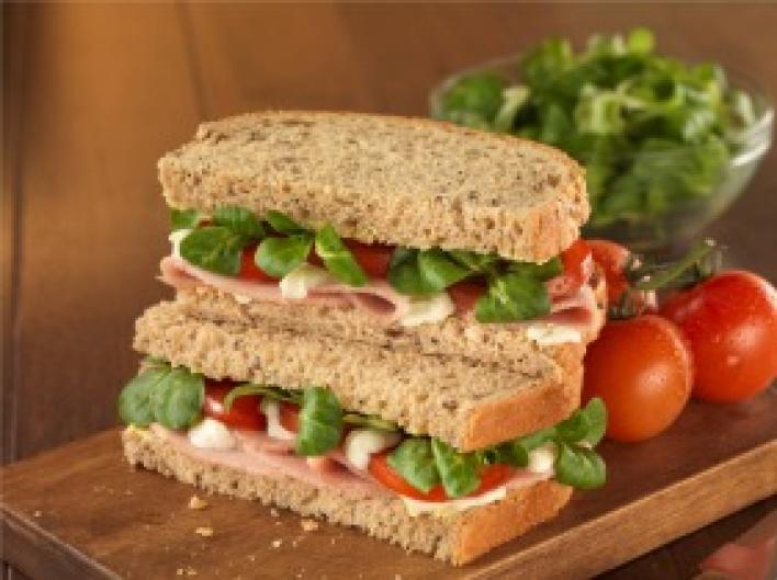 Sonkás, sajtos szendvics