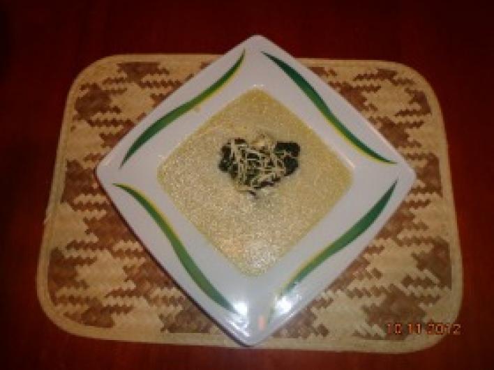 Sajtos karfiolkrém leves fokhagymás brokkolival