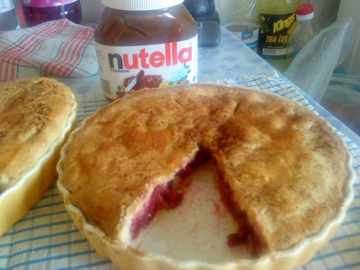 Mogyorókrémes-meggyes pite