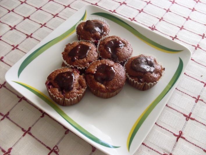 Meggyes, mogyorókrémes muffin
