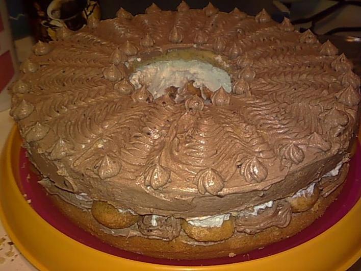 Mogyorókrémes tortakoszorú