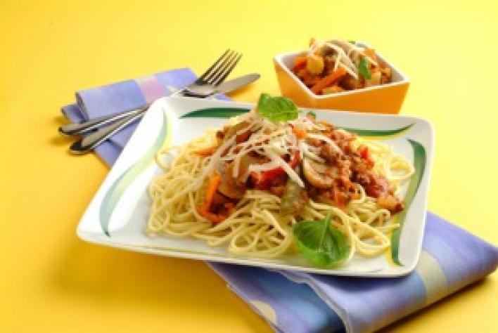 Zöldséges húsos bolognai