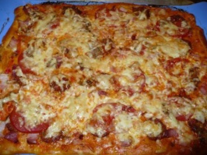 Magyaros házi pizza