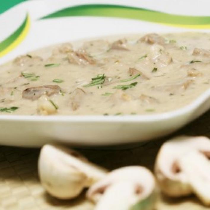 Pikáns gombás sertésragu leves