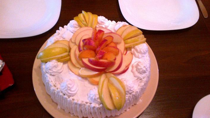 Gyümölcsös, túrókrémes torta