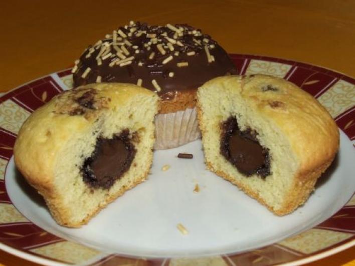 Mogyorókrémmel töltött muffin
