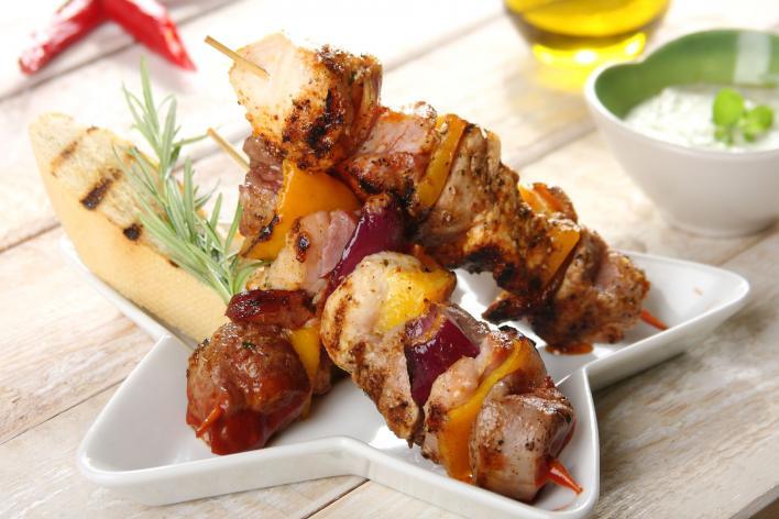 Saslik karajból és csirkéből