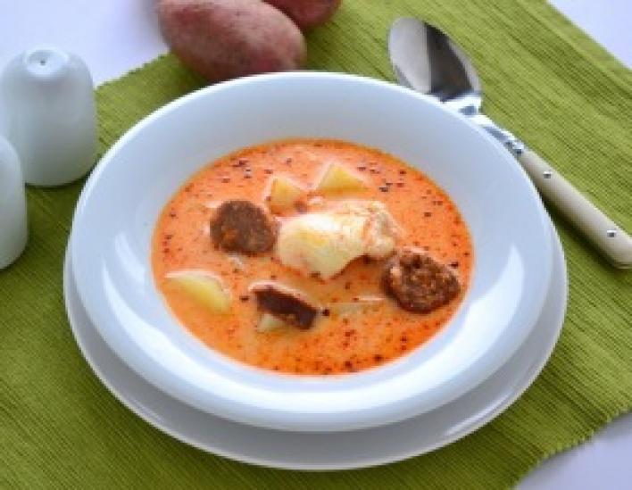 Krumplileves kolbásszal és tojással