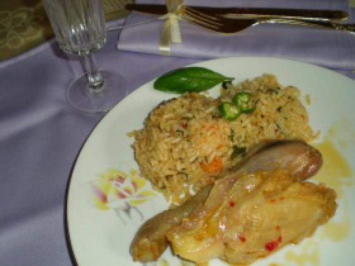Újházy tyúk főve-sülve zöldséges rizzsel