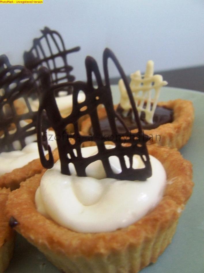 Fekete-fehér mini tortácskák