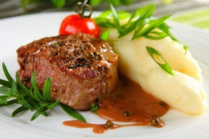 Bélszín steak borsmártással