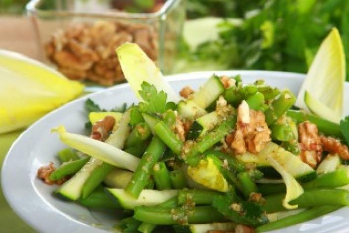 Zöldbabos cukkini saláta