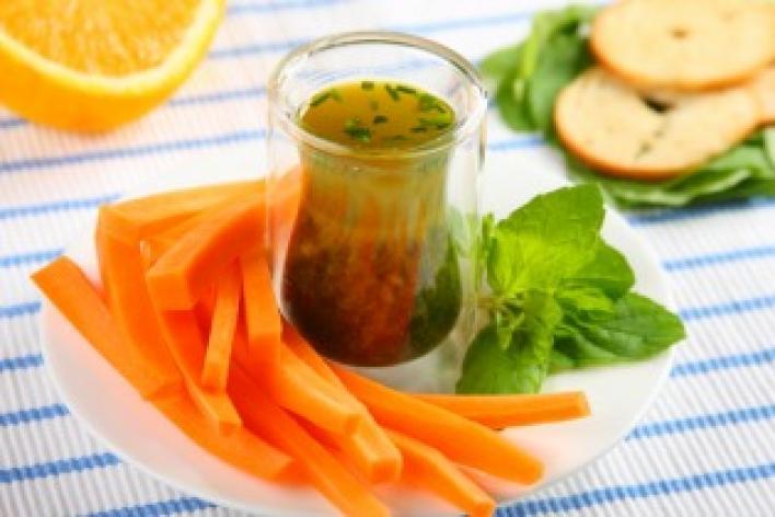 Narancsos-zöldfűszeres mártogatós