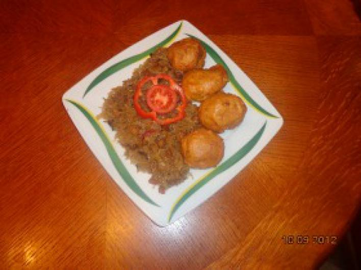 Sült savanyú káposzta tepertővel és húsos szalonnával