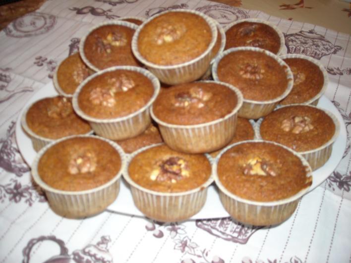 Meggyes, diós muffin