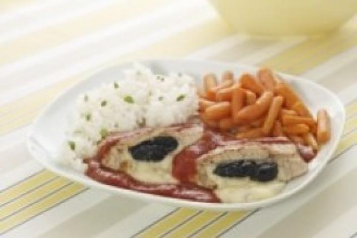 Karaj aszalt szilvával és sajttal