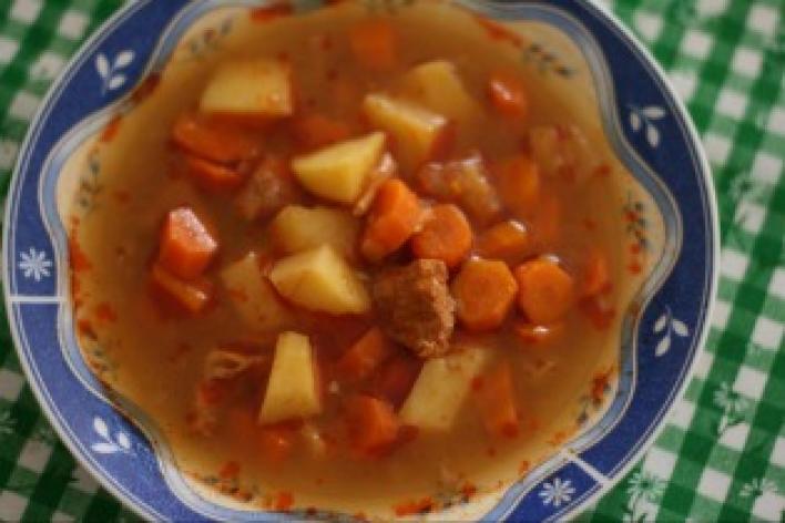 Gulyás leves