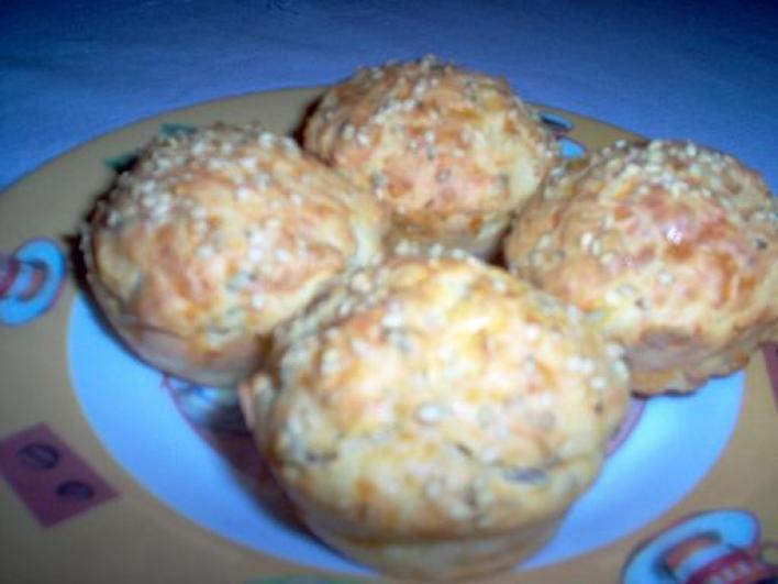 Magvas, sajtos muffin