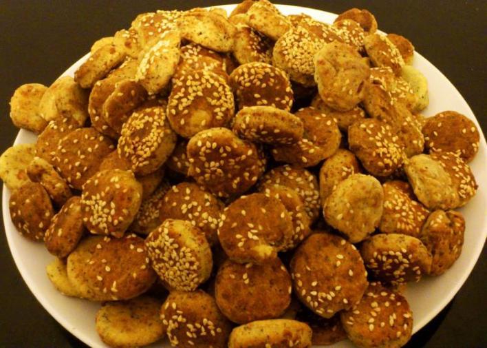 Mákos-szezámmagos kis pogácsák