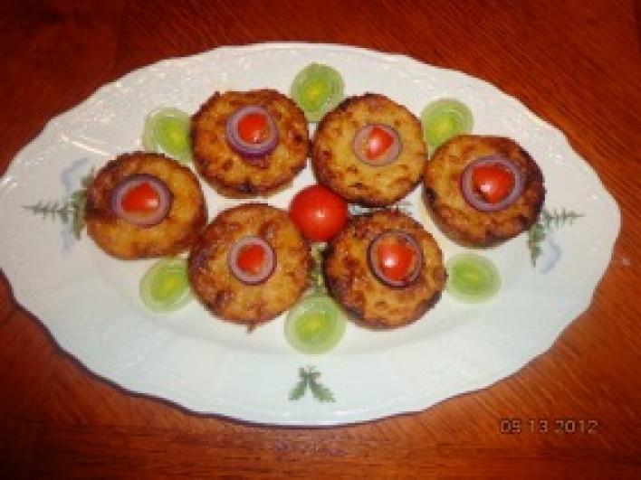 Hagymás-burgonyás muffin velővel töltve
