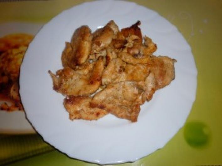 Fokhagymás csirkemellszeletek