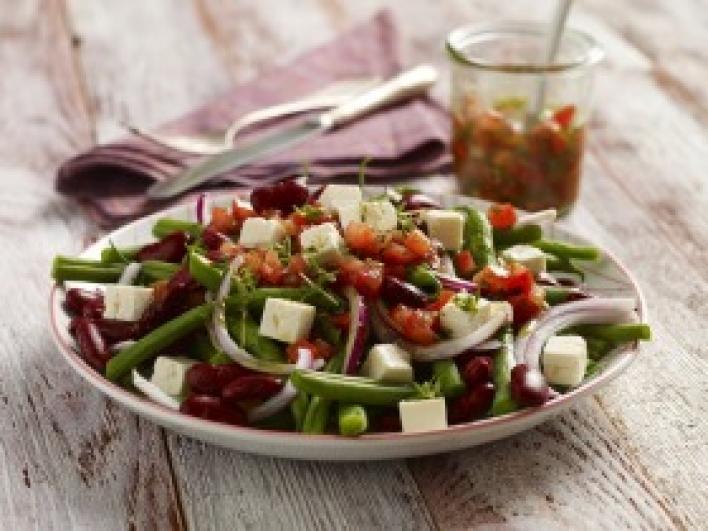 Zöldbab saláta paradicsommal és fetával