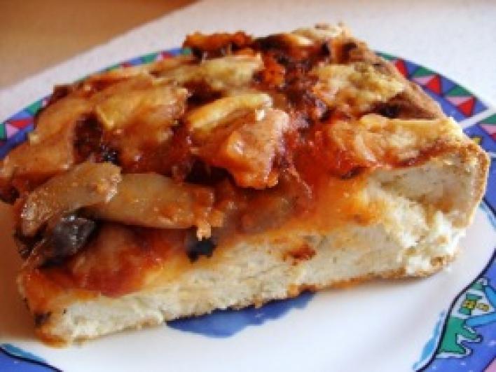 Gombás-ketchupos pizza