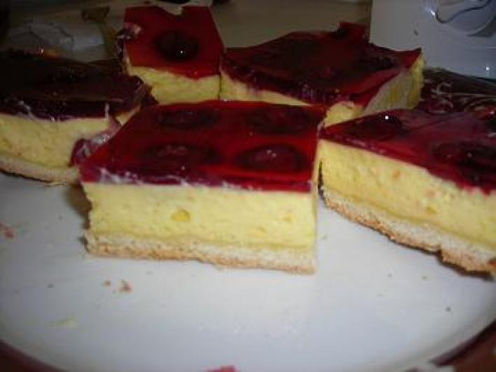 Meggyes sütemény