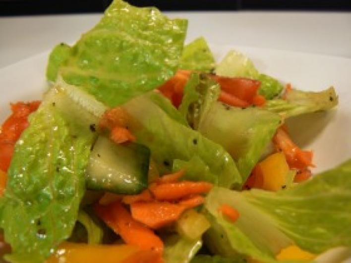 Vegyes tavaszi saláta