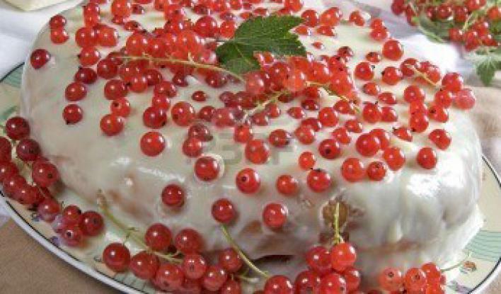 Gyümölcsös krémsajttorta, sütés nélkül