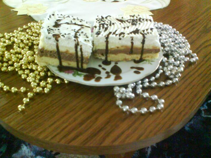 Csokis-kekszes torta sütés nélkül