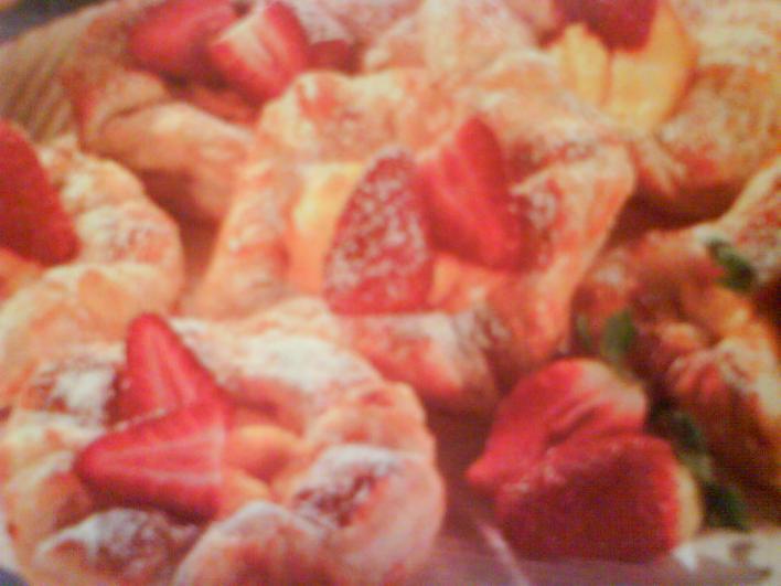 Vaníliás táska eperdarabokkal