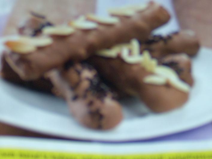 Mandulás-csokoládés gesztenyerúd