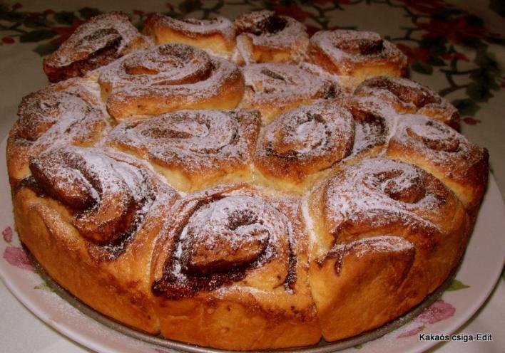 Kakaós csiga tortaformában sütve